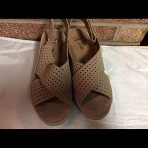 Clark's Cushion Comfort Wedge Strap Sandals 8.5 M